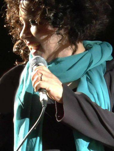 Antonella Ruggiero I Regali Di Natale.Quando Facevo La Cantante Antonella Ruggiero Racconta La Sua Carriera Da Solista Gazzetta Del Sud