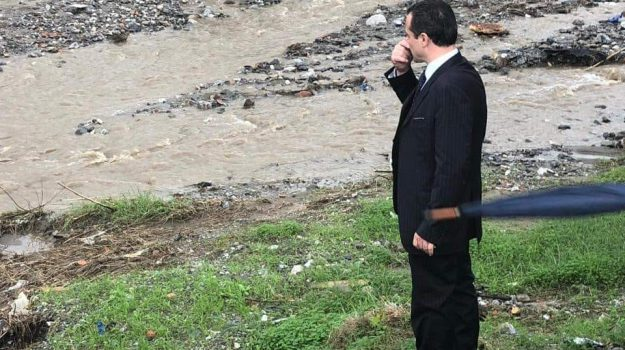 demolizioni fabbricati abusivi sui greti, interventi sui torrenti, Cateno De Luca, Messina, Sicilia, Politica