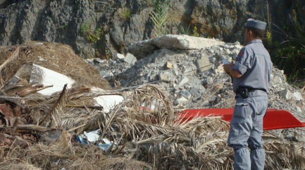 pentone, rifiuti pericolosi, sequestro discarica, Catanzaro, Calabria, Cronaca
