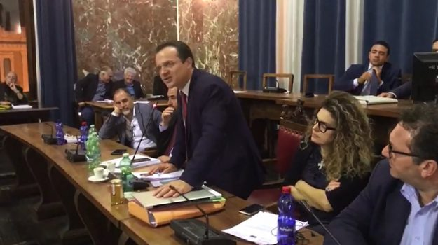 palagiustizia messina, Cateno De Luca, Renato Accorinti, Messina, Sicilia, Politica
