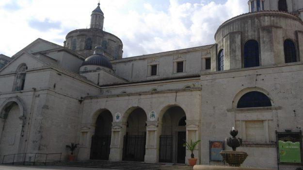 cattedrale catanzaro, duomo di catanzaro, restauro duomo catanzaro, Mario Oliverio, vincenzo bertolone, Catanzaro, Calabria, Politica