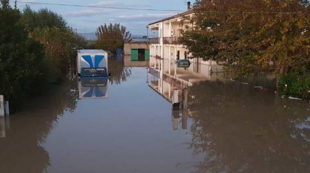 comune taglia fondi, esondazione Crati, sfollati, Cosenza, Calabria, Cronaca