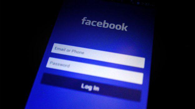 facebook, social network, utenti facebook, Sicilia, Società