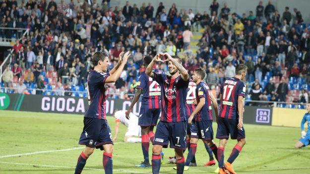 calcio serie b, crotone, golemic, Vladimir Golemić, Catanzaro, Calabria, Sport