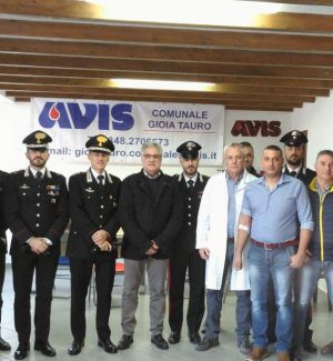I carabinieri di Reggio donano il sangue all'Unità di Raccolta Avis