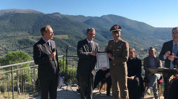 brigata aosta premio nassyria, Calabria, Società