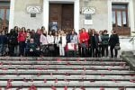 Giornata contro la violenza alle donne, scarpette rosse e minuto di silenzio a Lamezia