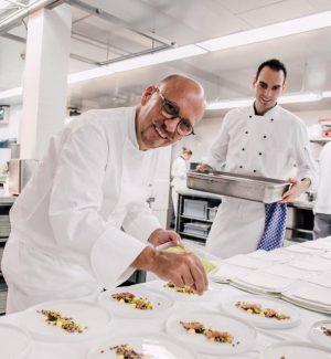 Heinz Beck, lo chef tedesco che ha conquistato la sua prima stella Michelin nel suo nuovo ristorante St. George a Taormina