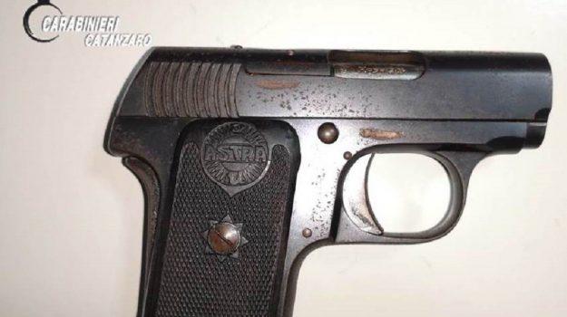 arrestato 25enne a lamezia possesso pistola, Catanzaro, Calabria, Cronaca