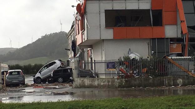 maltempo, tornado, tromba d'aria, Catanzaro, Calabria, Cronaca