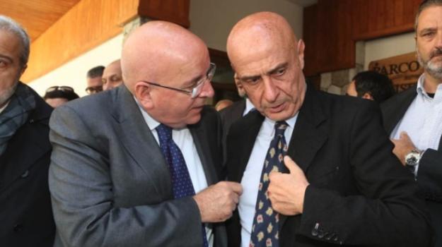 congresso Pd Calabria, pd calabria, Antonio Viscomi, Enza Bruno Bossio, ERNESTO MAGORNO, Marco Minniti, Mario Oliverio, Calabria, Politica