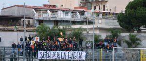 Il Messina sconfitto dalla Palmese: i tifosi contestano