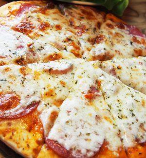 Sputa sulla pizza di un cliente, fattorino turco rischia 18 anni di carcere