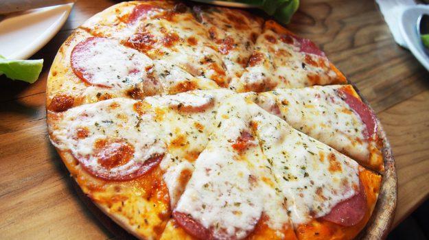 pizza milazzo, Messina, Sicilia, Economia