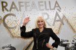 Torna Raffaella Carrà: un nuovo album per cantare il Natale