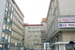 """Reparti sovraffollati al """"Pugliese-Ciaccio"""" di Catanzaro, i pazienti finiscono sulle barelle"""