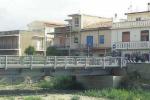 Barcellona, infiltrazioni mafiose nella ricostruzione del ponte di Calderà: appalto revocato