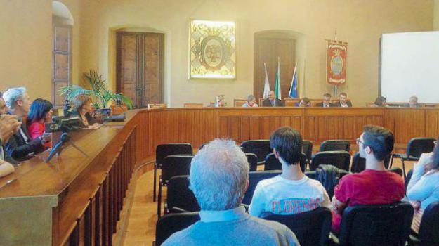 1800 famiglie acqua locri, acqua Locri, locri, non pagano acqua, Novito Acque srl, Reggio, Calabria, Cronaca