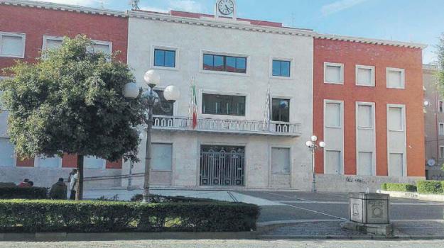 case abusive Crotone, demolizioni Crotone, Ugo Pugliese, Catanzaro, Calabria, Cronaca