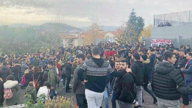 acri, alberghiero Acri, protesta studenti Acri, sciopero Acri, Cosenza, Calabria, Cronaca