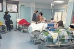 Posti letto introvabili all'ospedale di Rossano, il pronto soccorso s'ingolfa