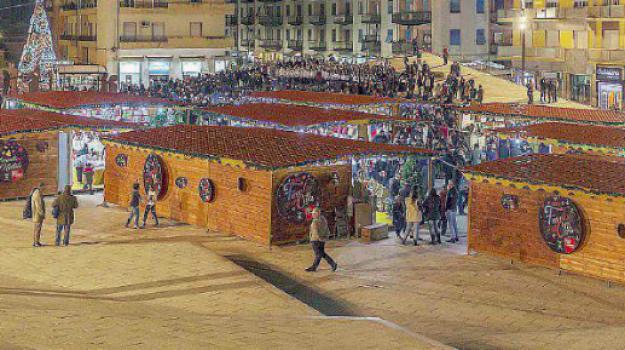 cosenza, mercatini Cosenza, mercatini natalizi Cosenza, Loredana Pastore, Mario Occhiuto, Cosenza, Calabria, Economia