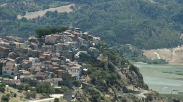 tarsia case a un euro, Roberto Ameruso, Cosenza, Calabria, Economia