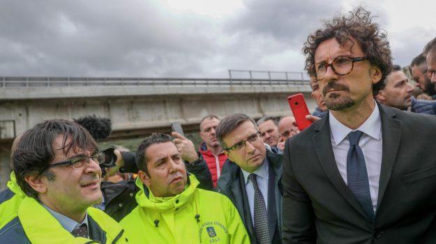 anas, toninelli in sicilia, Danilo Toninelli, Sicilia, Politica