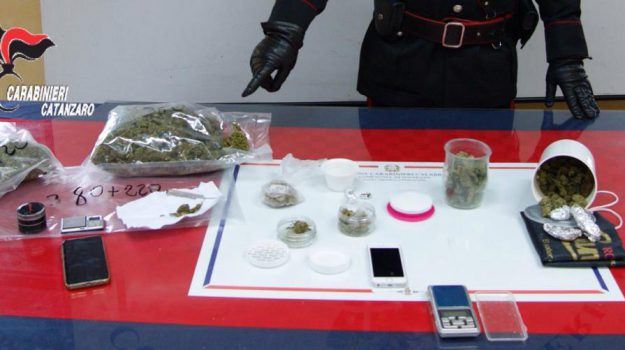 arresti catanzaro, catanzaro, controlli droga soverato, droga catanzaro, sequestro droga soverato, Catanzaro, Calabria, Cronaca