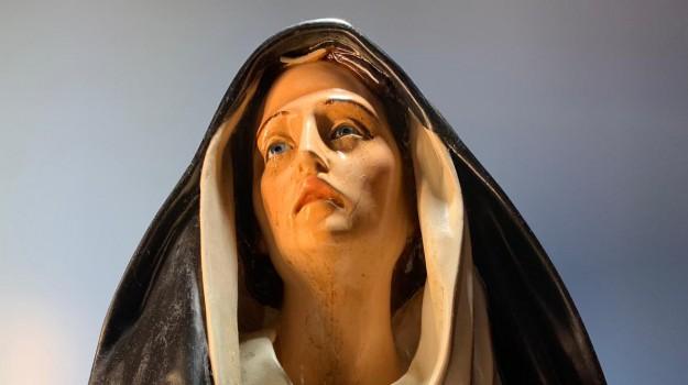 associazione l'Emanuele, lacrime Madonna Giampilieri, Madona Giampilieri, Madonna signora Pina, Pina Micali, Messina, Sicilia, Cronaca