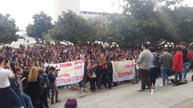 accorpamento Maurolico La Farina, liceo la farina, liceo maurolico, messina, protesta studenti scuola messina, Messina, Sicilia, Cronaca