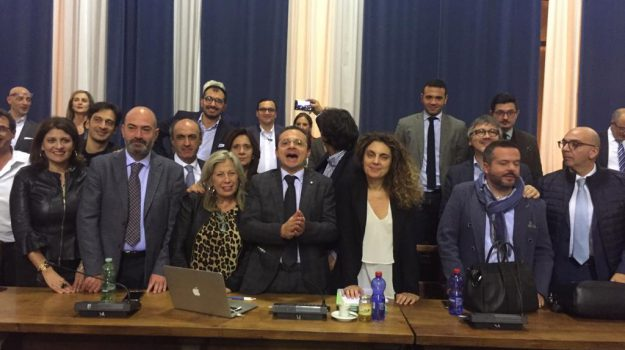 approvato salva messina, salva messina, Cateno De Luca, Messina, Sicilia, Politica
