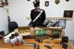 Isola Capo Rizzuto, rinvenute armi e munizioni: padre e figlio arrestati