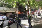 Melbourne, persone accoltellate in strada: un morto, arrestato un uomo. L'Isis rivendica