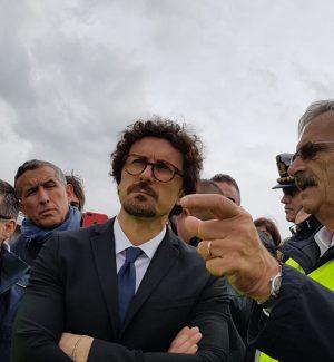 Il ministro Toninelli in visita al cantiere del viadotto Himera