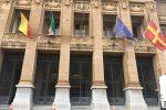 Giornata contro la violenza sulle donne, bandiere a mezz'asta a Messina