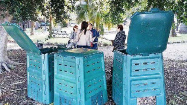 rifiuti reggio calabria, Reggio, Calabria, Economia