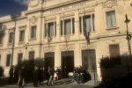 Reggio, interdittiva antimafia alla lavanderia dell'Asp ma la ditta prosegue nel servizio