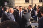 Il premier Conte in Calabria l'arrivo a Reggio accolto da governatore, sindaco e prefetto - Video