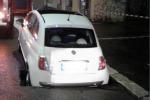 Roma:cede manto stradale dopo lavori,sprofonda auto in sosta