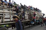 Carovana verso gli Usa, 300 migranti arrestati in Messico