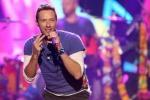 I Coldplay (sotto mentite spoglie) duettano con Pharrell Williams