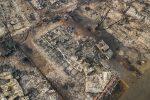 Incendi in California, sale il bilancio delle vittime: 63 morti, 600 dispersi