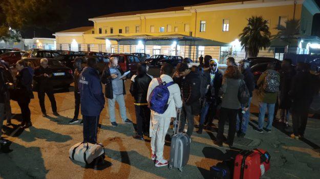 centro accoglienza, isola capo rizzuto, migranti, Catanzaro, Cronaca