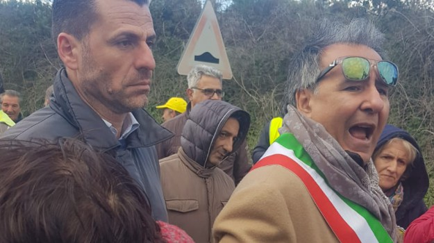 vertenza lsu lpu, Cosenza, Calabria, Economia