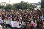 Mille studenti in piazza a Messina, l'autonomia del liceo Seguenza è salva