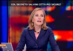 La conduttrice di Stasera Italia e moglie dell'ex sindaco di Roma Francesco Rutelli, ha confessato in tv durante la sua trasmissione, di soffrire come madre di un figlio di colore per il clima che si respira negli ultimi tempi in Italia