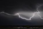 Fulmini, burrasche e forti raffiche di vento nelle prossime ore in Calabria e Sicilia