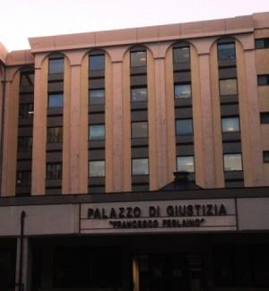 'Ndrangheta, estorsioni per 20 anni a due imprenditori di Catanzaro: otto rinvii a giudizio
