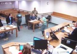 Il giudice R.W. Buzzard si è tolto la toga e si è lanciato all'inseguimento
